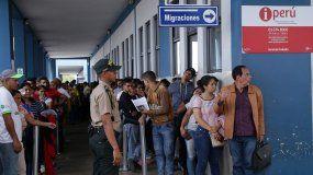Más de 9.000 venezolanos ingresaron a Perú este viernes por la frontera norte con Ecuador, en el último día en que no les fue requerido contar con una visa humanitaria