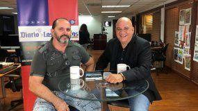 Juan Juan Almeida entrevista al cubano Gustavo Vigoa (izq.) para polemizar sobre lo que sucede en la isla.