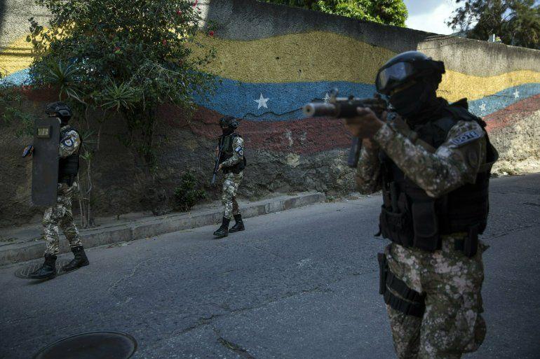 Resultado de imagen de Las FAES liberan a tres diputados opositores venezolanos