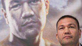 En esta foto de archivo del 15 de marzo de 2016, el boxeador de peso completo búlgaro, Kubrat Pulev, asiste a una conferencia de prensa en Hamburgo, Alemania.