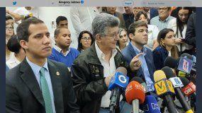 Juan Guaidó, Junto al diputado opositor Henry Ramos Allup