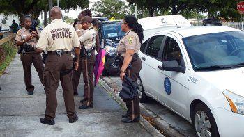 La Policía de Miami Dade investiga el suceso.