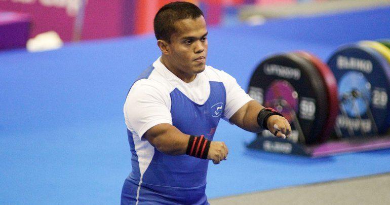<p>El pesista salvadore&ntilde;o Herbert Aceituno es uno de los favoritos en la categor&iacute;a de 65 kilos.</p>