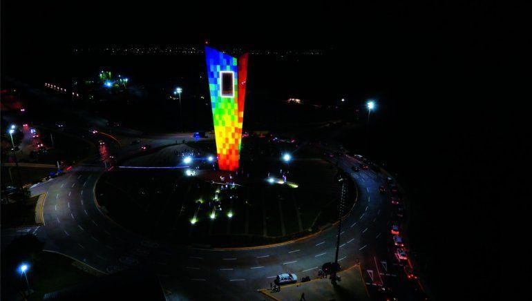 La Ventana al Mundo, que se erige en Barranquilla, es el monumento más alto de Colombia.