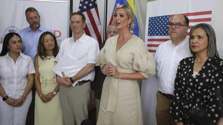 Ivanka Trump habla después de una reunión con una delegación que representa al líder opositor venezolano Juan Guaidó