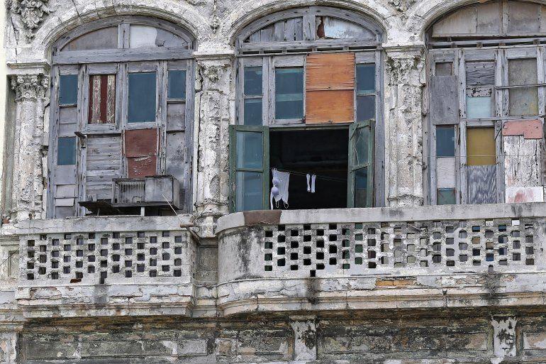 En La Habana abundan las viejas casas que han sido remendadas con escasos recursos.