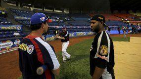 Hace unos días, los equipos de béisbol en Venezuela acordaron iniciar el torneo el 5 de noviembre y no en octubre, como lo había requerido miembros de la dictadura venezolana.