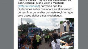 Captura de pantalla de la publicación en la cuenta de Vente Venezuela donde se ve a María Corina Machado intentando que la GNB reabriera el paso hacia San Cristóbal.