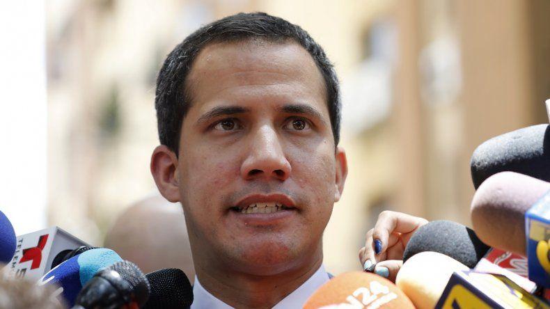 Juan Guaidó, presidente encargado de Venezuela, habla ante los medios de comunicación en Caracas el13 de septiembre de 2019.