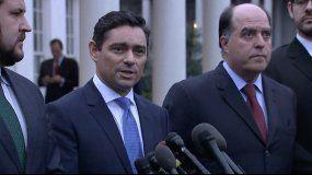 El embajador de Venezuela en EEUUU, Carlos Veccho junto a Julio Borges, comisionado de Asuntos Exteriores de Venezuela (derecha).