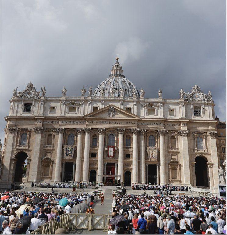 El papa Francisco celebra una misa por el Día del Migrante y el Refugiado en la Plaza de San Pedro