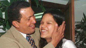 Imagen de archivo del fallecido Hugo Chávez y su hija María Gabriela.