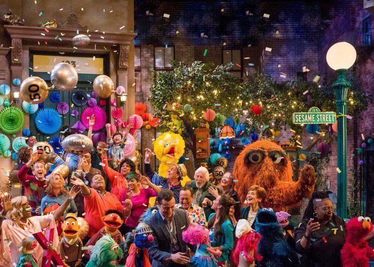 Sesame Street celebra 50 años de bondad y humor   Premios