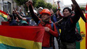 ¿Qué pasará en Bolivia, tras la renuncia de Evo Morales?, según AP