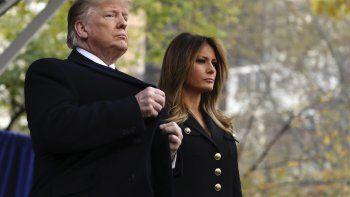 El presidente Donald Trump y la primera dama Melania Trump participan en la ceremonia del Día de los Veteranos de la Ciudad de Nueva York en el Madison Square Park en Nueva York, el lunes 11 de noviembre del 2019.