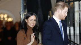 En esta fotografía del siete de enero de 2020 el príncipeHarry y Meghan, la duquesa de Sussex salen tras visitar la Casa de Canadá en Londres, tras una visita reciente Canadá.