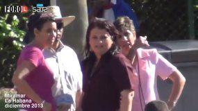 La hoy designada vicegobernadora de La Habana, Yanet Hernández (tercera de izquierda a derecha) durante un acto de repudio en contra de varios opositores.