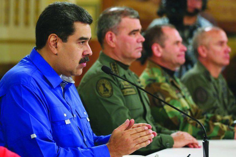 Maduro junto al alto mando militar.