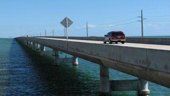 Vista parcial del viaducto US-1 que conecta el sur de Florida con sus cayos.