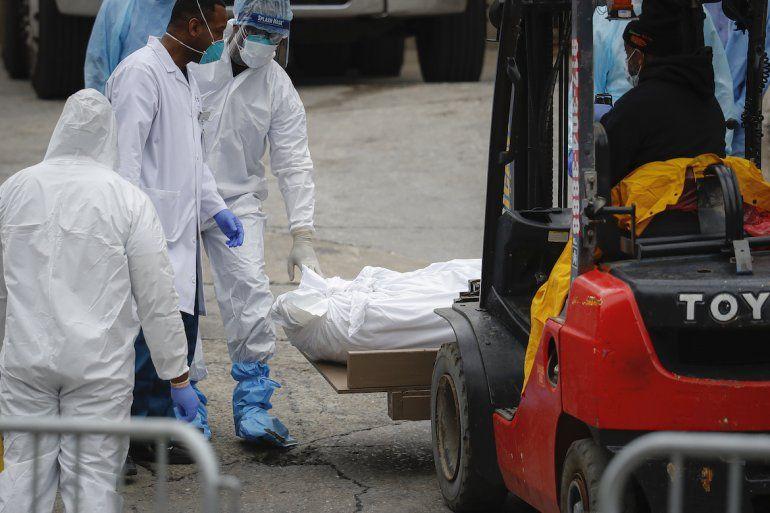 Coronavirus: Muertos rebasan a hospitales en Nueva York | Nueva ...