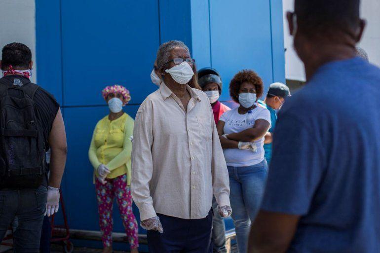 Avance de epidemia en República Dominicana no impide conglomerados   República  Dominicana, Coronavirus, Población