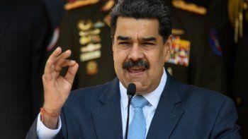 El dictador de Venezuela, Nicolás Maduro, ofrece una conferencia de prensa desde el palacio presidencial de Miraflores, en Caracas, Venezuela