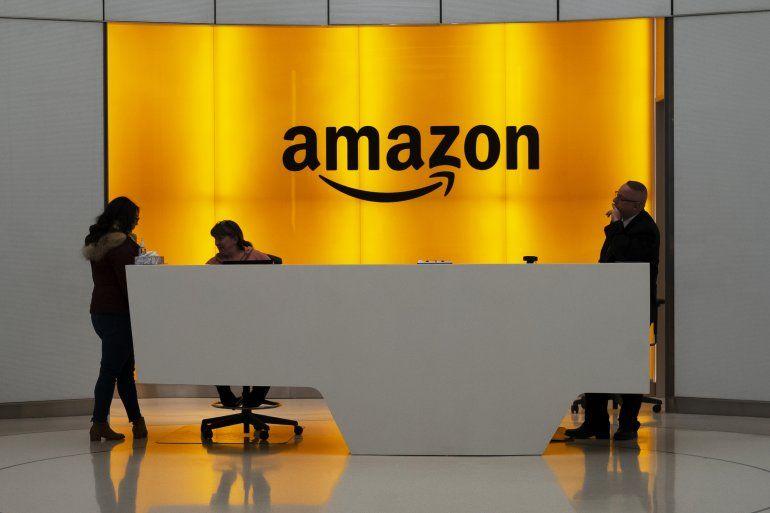Foto del vestíbulo de las oficinas de Amazon en Nueva York.