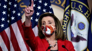 La presidenta de la Cámara de Representantes Nancy Pelosi, demócrata por California, habla con los reporteros sobre el impacto de las elecciones en el panorama político el viernes 6 de noviembre de 2020, en Washington.
