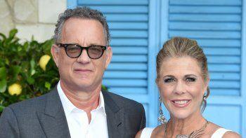 Tom Hanks y Rita Wilson estánen aislamientoen la regiónde Gold Coast, en el este de Australia, Australia tras haber dado positivos al nuevo coronavirus.