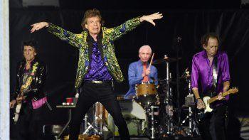 En esta fotografía del 22 de agosto de 2019, de izquierda a derecha, Ron Wood, Mick Jagger, Charlie Watts y Keith Richards de The Rolling Stones durante un concierto en Pasadena, California.