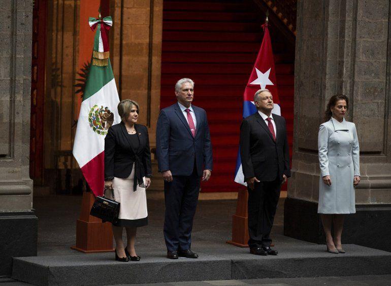 El presidente mexicano Andrés Manuel López Obradory su esposa Beatriz Gutiérrez