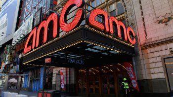 Los cines de Nueva York reanudaron operaciones por primera vez desde el 17 de marzo del año pasado, cuando las autoridades decretaron su cierre a raíz del COVID-19.