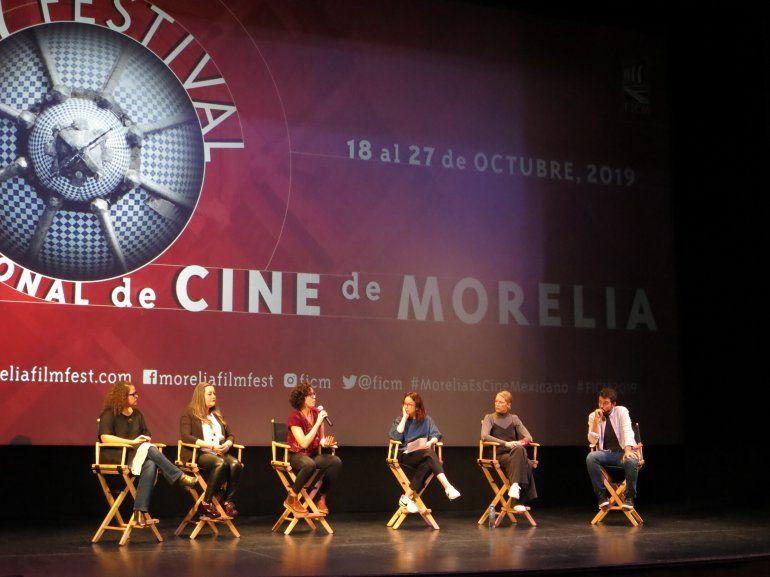 Cineastas en una conferencia de prensa sobre el corto documental El Día Después: Nosotras durante el Festival de Cine de Morelia en Morelia