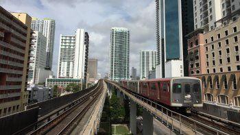 Se suponía que el medio centavo serviría para la ampliación del Metrorail, algo que nunca sucedió. En este momento es imposible hacerlo por los altos costos de un proyecto de ese tipo.