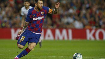 """En esa época tuve en la cabeza el largarme, no por querer dejar el Barsa sino por querer dejar España, sentía que estaba siendo muy maltratado y no quería estar más aquí"""", dijo Messi en una entrevista con la cadena radial catalana RAC1."""