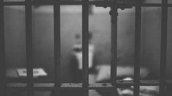 En la prisión de la Dirección de Contrainteligencia Militar (DGCIM) hay una celda de castigo llamada El Tigrito, un lugar tan estrecho que si los reos son muy altos no pueden sentarse.