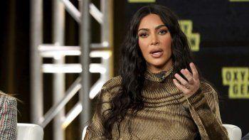 Kim Kardashian habla en el panel Kim Kardashian West: The Justice Project durante la gira de prensa de invierno Oxygen TCA 2020 en Langham Huntington, el sábado 18 de enero de 2020, en Pasadena, California.