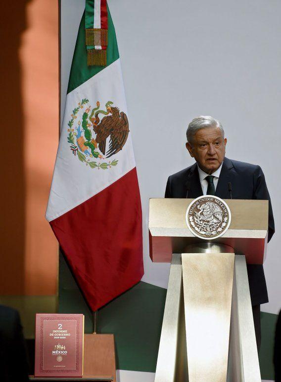 El presidente de México Andrés Manuel López Obrador ofrece su segundo informe anual en el Palacio Nacional de México