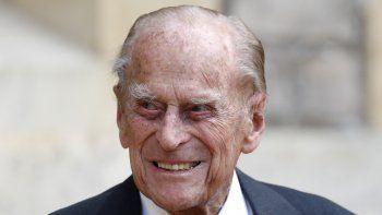 En esta foto de archivo tomada el 22 de julio de 2020, el príncipe Felipe de Gran Bretaña, duque de Edimburgo, llega para el traslado de la ceremonia del coronel en jefe de los rifles en el castillo de Windsor en Windsor.