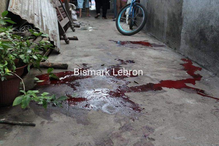 Las manchas de sangre de una de las víctimas que fue tiroteada por la Policía del régimen de Daniel Ortega