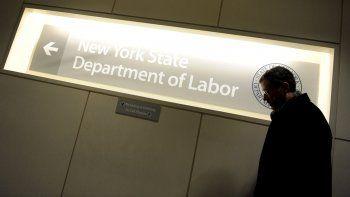 El informe del Departamento de Trabajo divulgado indicó que el mes pasado se habían creado 263.000 nuevos puestos de trabajo por encima de las expectativas de los analistas, que habían anticipado unos 217.000.