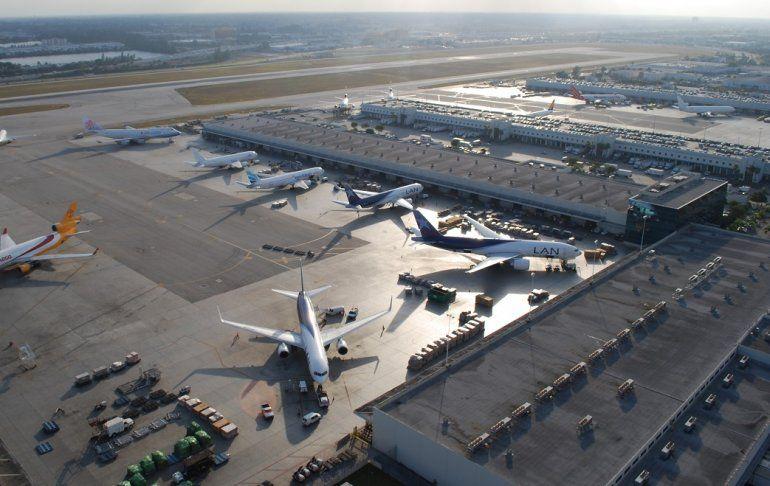 Vista del aeropuerto Internacional de Miami que registró un aumento del 0
