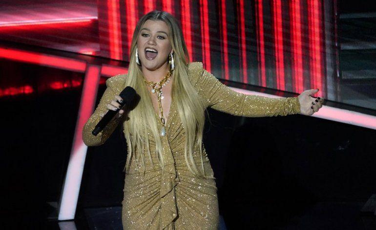 La presentadora Kelly Clarkson se presenta en los Billboard Music Awards el miércoles 14 de octubre de 2020 en el Dolby Theatre de Los Ángeles.