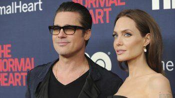En esta foto de archivo del 12 de mayo de 2014, Brad Pitt y Angelina Jolie asisten al estreno de The Normal Heart de HBO Films en el Teatro Ziegfeld de Nueva York.