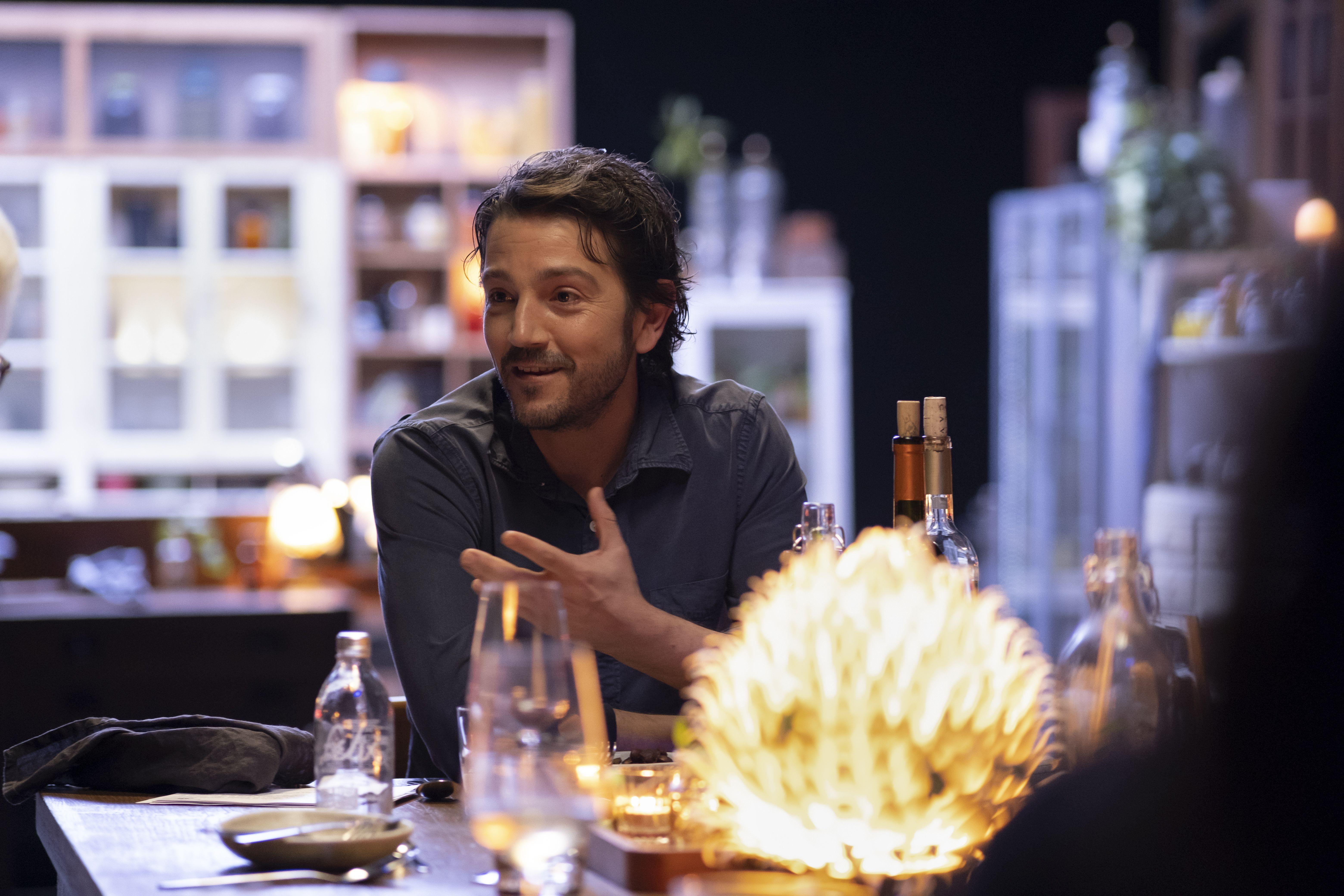 Diego Luna vuelve a la mesa con Pan y Circo, por Amazon Prime.