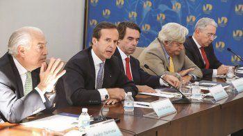 De izquierda a derecha, los expresidentes Andrés Pastrana (Colombia), Jorge Quiroga (Bolivia), José María Aznar (España), Luis Alberto Lacalle (Uruguay) y Álvaro Uribe (Colombia), integrantes del grupo IDEA.