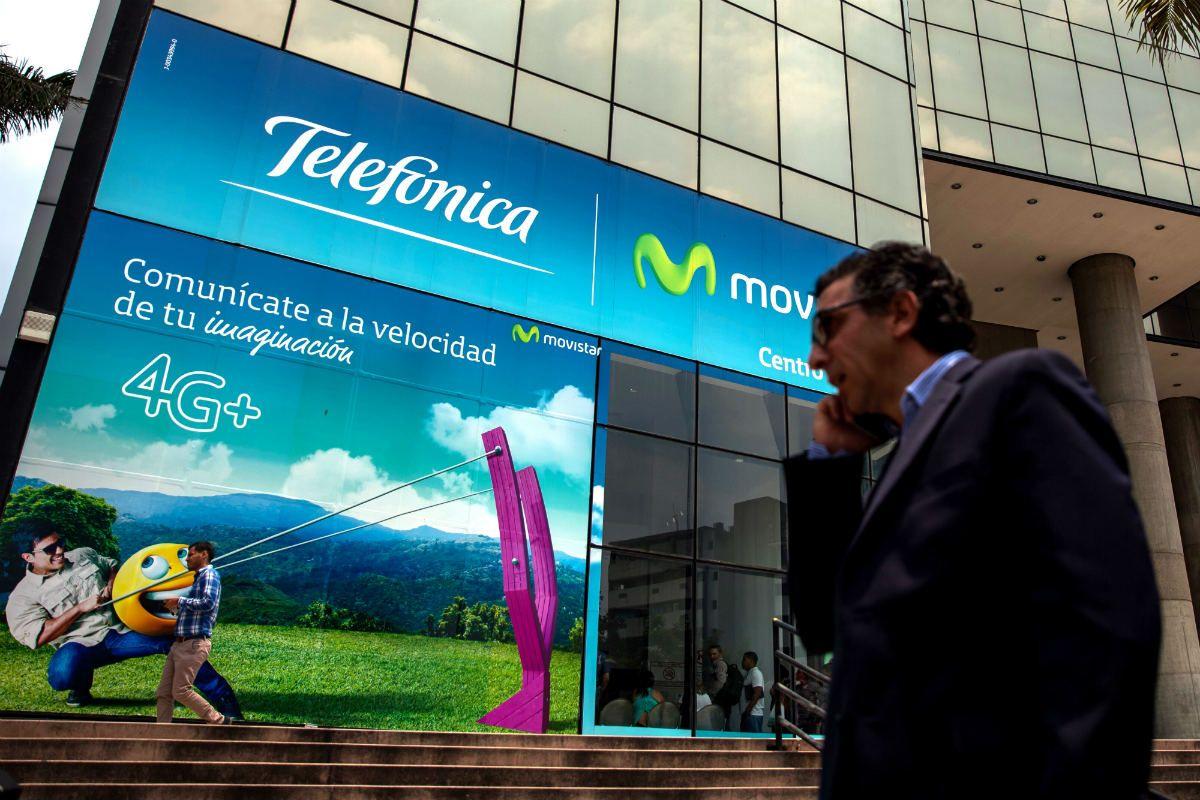La decisión de las empresas de telefonía celular se efectúa en virtud del incremento de los costos como consecuencia del control de cambio en Venezuela (EFE)