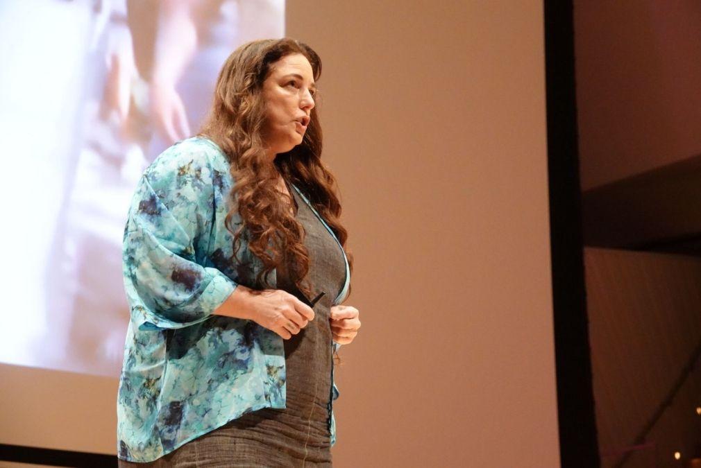 Tania Bruguera, artista y activista cubana, asiste a un ciclo de conferencias del Oslo Freedom Forum en Miami Beach.