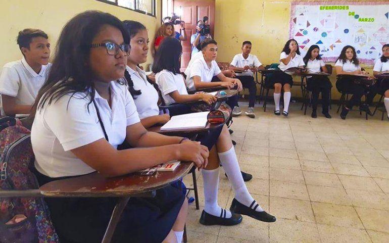 Elrégimensandinista ordenó el lunes el regreso a clases de más de 1
