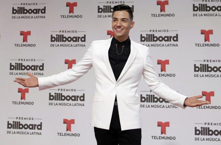 En esta fotografía de archivo del 28 de abril de 2016 Luis Coronel llega a los premios Latin Billboard en Coral Gables